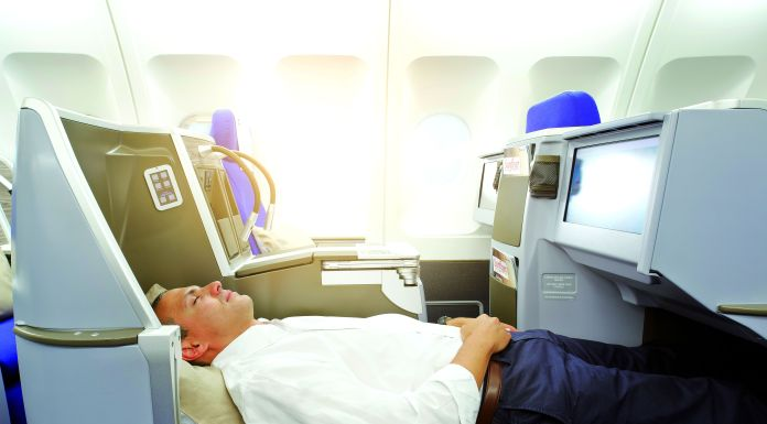Edelweiss-Business-Class-Bed2
