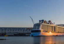 Ovation of the Seas in der Werft