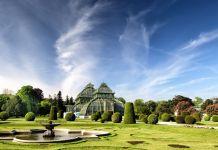 Wien, Schönbrunn Garten, Shutterstock