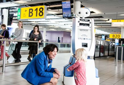 Spencer, Flughafen Amsterdam-Schiphol