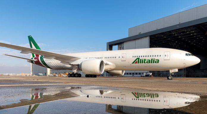 Alitalia Boeing B777