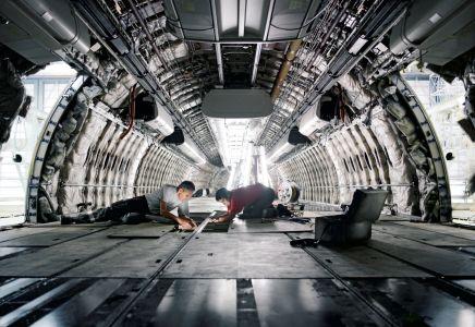 SRT_inside_airplane