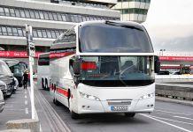 Bus à l'aéroport de Berlin Tegel