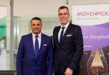 Akeel Ibraheem Al-Khalidy, chairman der South Group Corporation, mit Olivier Chavy, Präsident & CEO von Mövenpick Hotels & Resorts