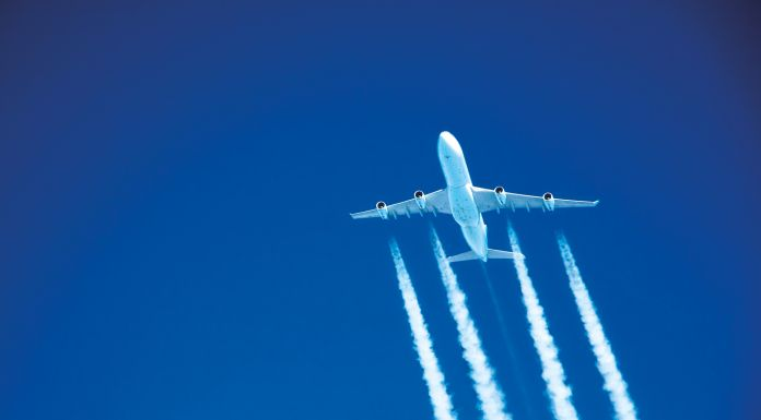CO2 Kondensstreifen Flugzeug