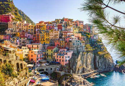 Italien, Cinque Terre, bunte Häuser, Küste