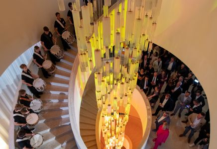 Trommler im Treppenhaus